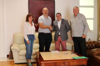 """Se firma el contrato con Horneados del Campo Molina para su espacio en el Vivero de Empresas """"El Trapiche"""""""