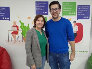 Vélez-Málaga activa una sala de informática para combatir la desigualdad digital