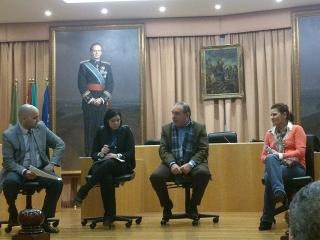 El Alcalde y la Concejal de Empresa y Empleo presentan el Programa Axarcoempleo a profesionales de Gestorías y Asesorías del Municipio