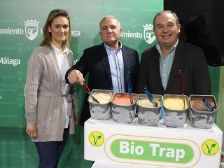 El Ayuntamiento presenta a la empresa Bio Trap, que elabora helados artesanos con frutas ecológicas