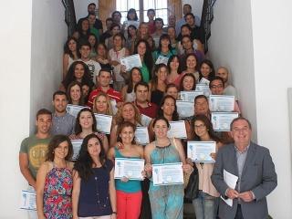 El alcalde entrega los diplomas de cuatro cursos del Programa Forma2.0, una iniciativa en la que han encontrado empleo 40 alumnos