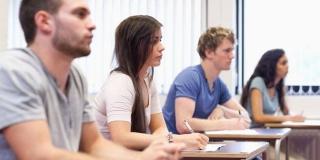 Educación abre el plazo de inscripción para obtener el título de Graduado en ESO para mayores de 18 años