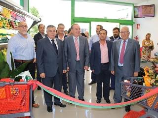 El alcalde y el presidente de Covirán inauguran un nuevo establecimiento de la cooperativa en Vélez Málaga
