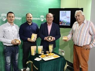 El Ayuntamiento presenta la empresa 'Hay mango' que elabora de forma natural salsa, crocanti y dulce de mango