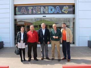 """El alcalde visita la empresa """"Cafés Tamazor"""""""